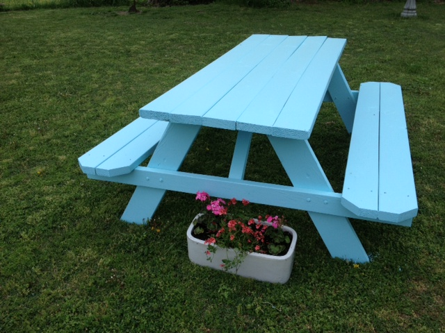 turquoise picnic table